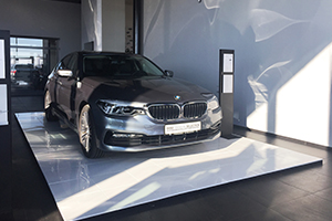 Panouri modulare podea cu panel alb suport autovehicul showroom
